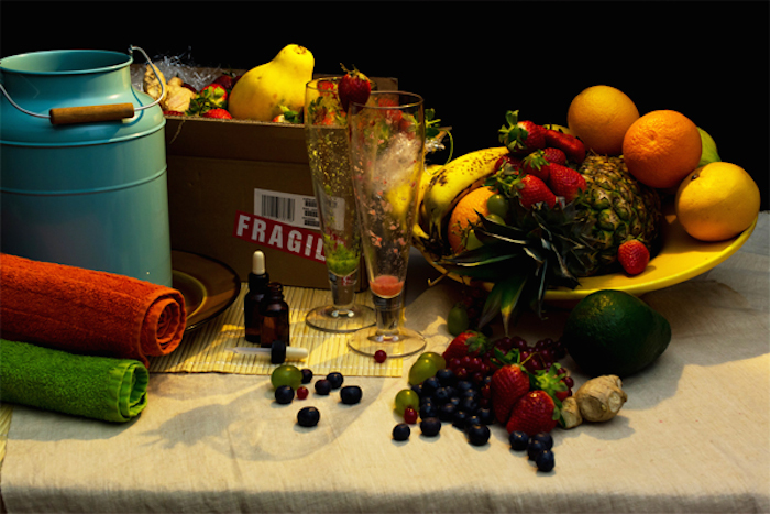 Диета Саймона Коуэлла: коктейли из ананасов, клубники, винограда, клюквы, голубики, апельсинов, манго, авокадо, ванны из молока и витамины