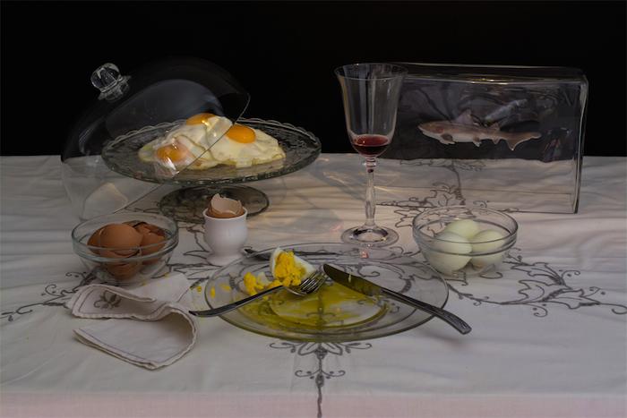 Диета Чарльза Саатчи: девять яиц, приготовленных разными способами, и бокал вина