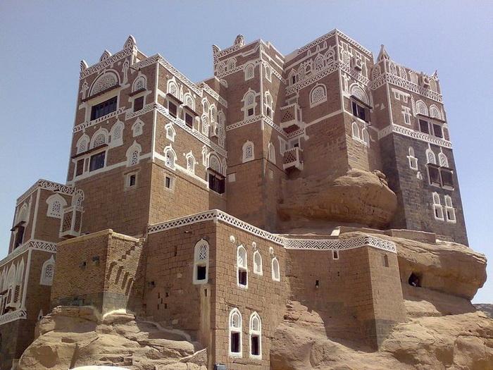 Дар аль Хайяр - замок, построенный на скале (Йемен)