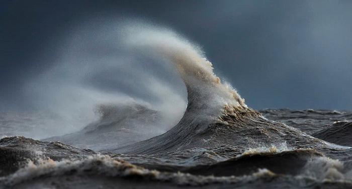 Шторм на Великих озерах (Канада). Фотограф Dave Sandford