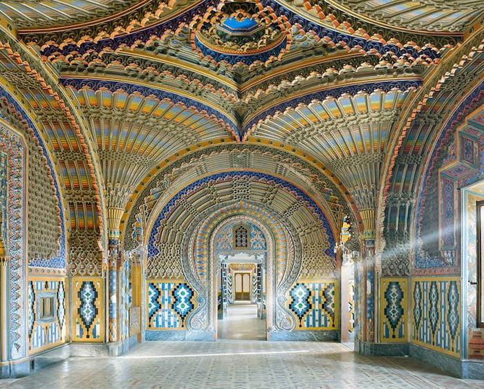 Замок Саммеццано, Тоскана, Италия, 2016. Фотоцикл от Давида Бардни (David Burdeny)