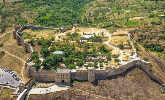 Крепость Нарын-Кала - главная достопримечательность Дербента.