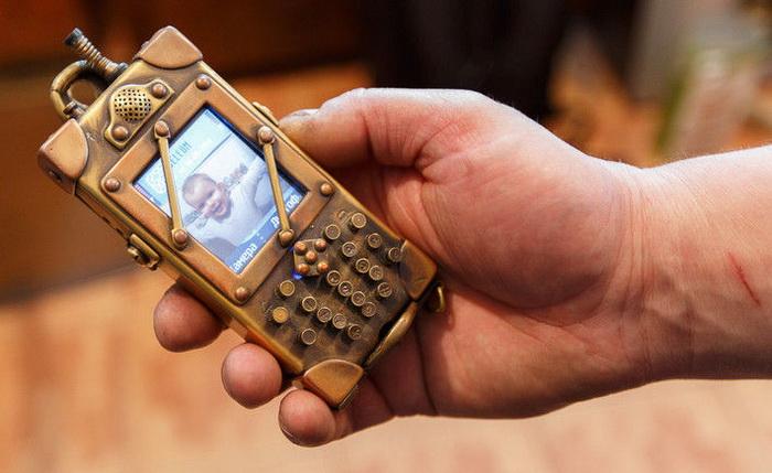 Мобильный телефон в стиле стимпанк от Дмитрия Тихоненко