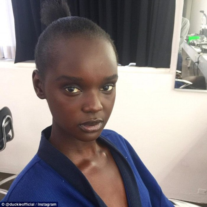 Фотография Даки Тот с неудачной прической на конкурсе красоты в Австралии.