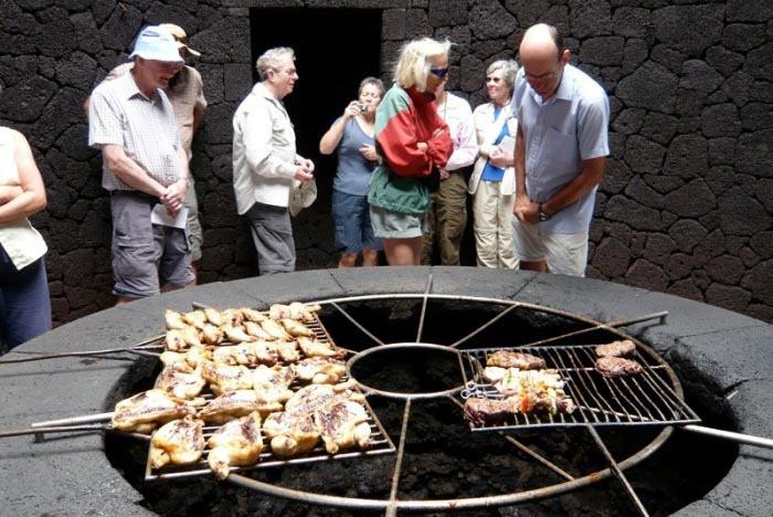 Гриль барбекю на вулкане