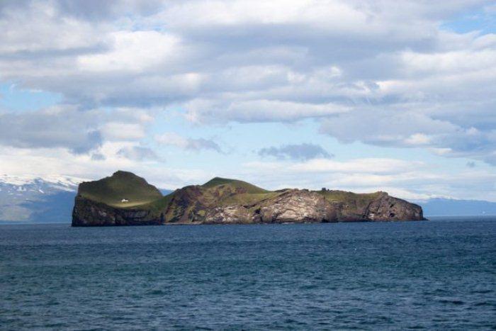 Безлюдный остров Эдлидаэй.