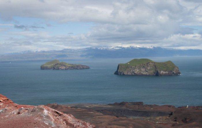 Острова архипелага Вестманнаэйяр.