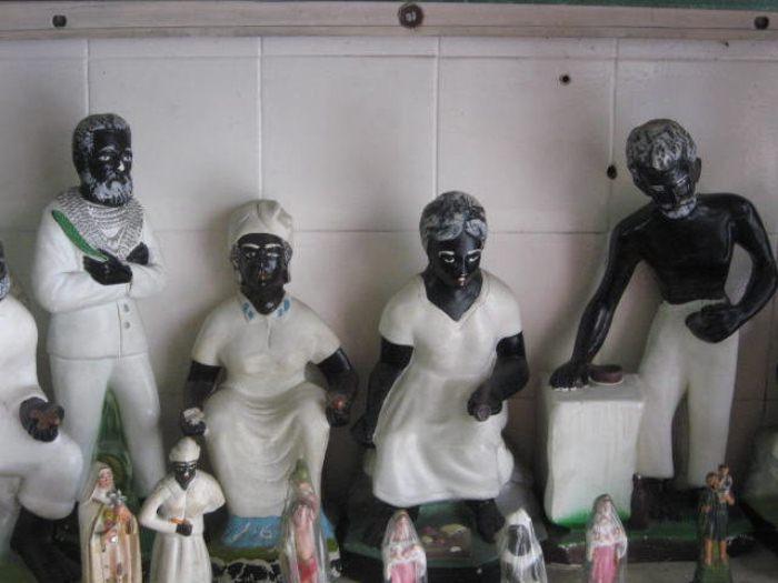 Статуэтки спиритуалистов, символизирующие Страдание, Сострадание, Прощение и Надежду