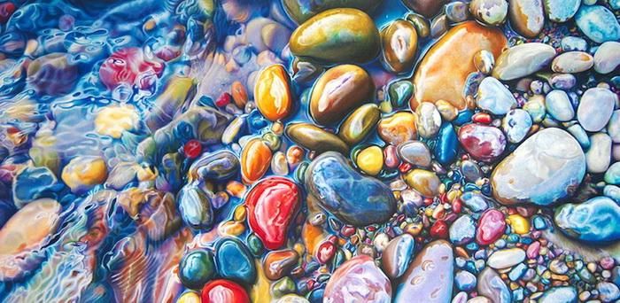 Морские камни на реалистических картинах Эстер Рои