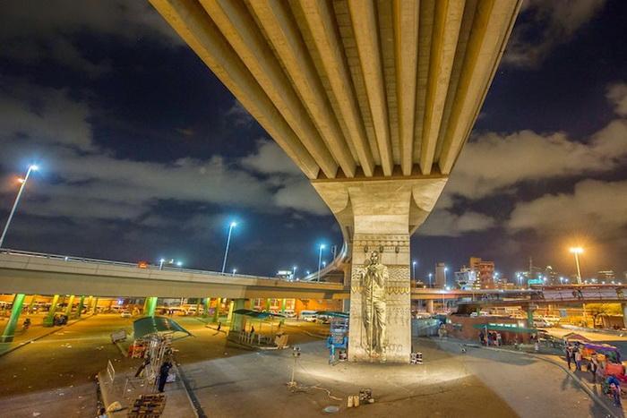 Фрески на оживленной магистрали
