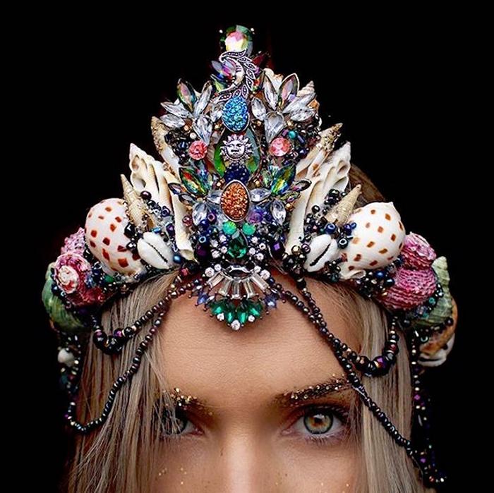 Корона, которая подойдет даже для Венецианского карнавала
