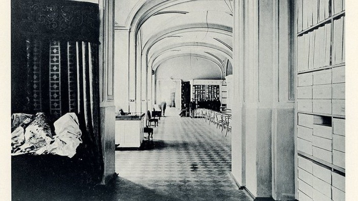 После 1918 года на 2 и 3 этаже ГУМа располагались коммунальные квартиры