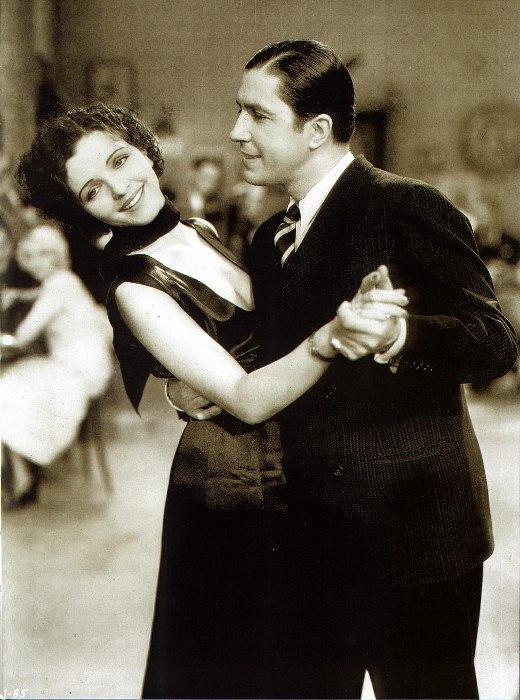 Аргентинское танго в исполнении Карлоса Гарделя и Моны Марис, кадр из фильма, 1934 г.