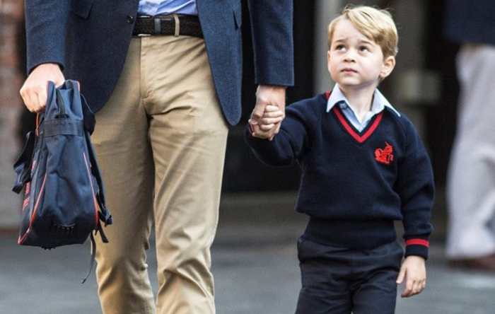 Принц Джордж нервничает по дороге в школу.