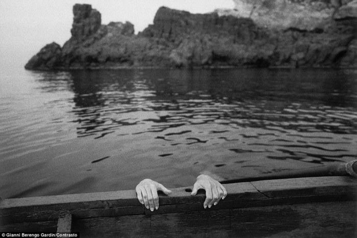 Сцена на море, Катания, 2001 год. Фотограф: Gianni Berengo Gardin