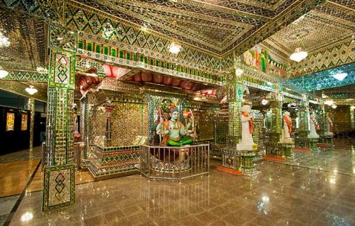 Стеклянный храм в Малайзии