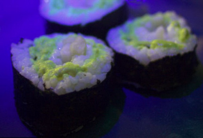 Светящиеся в темноте суши