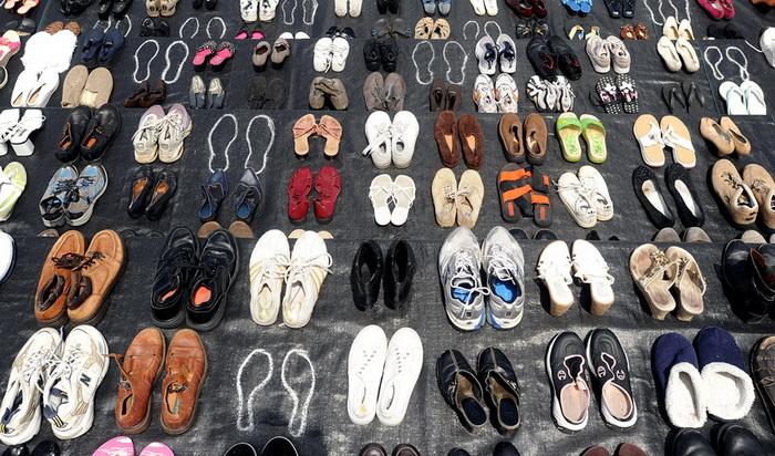 В 2012 г. на мосту организована выставка обуви в память о людях, покончивших здесь жизнь самоубийством
