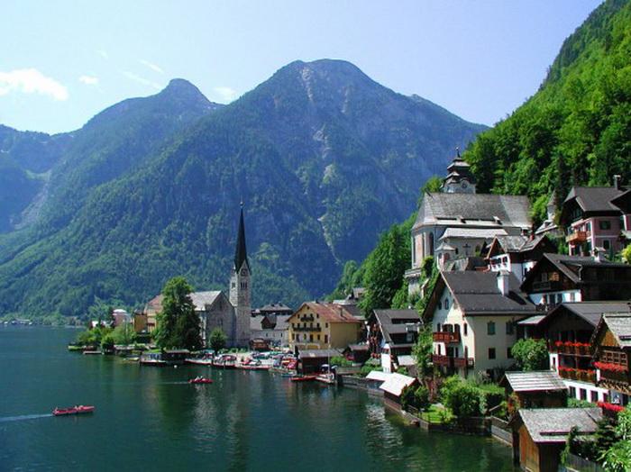 Церковь - главная достопримечательность австрийского Гальштата