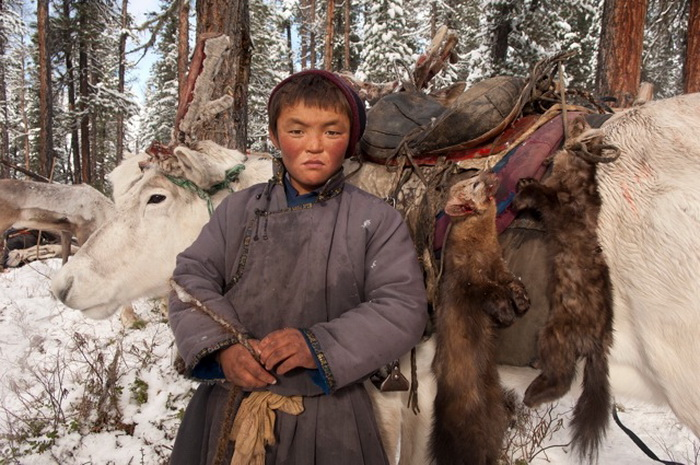 Цаатаны - исчезающая народность кочевников-оленеводов