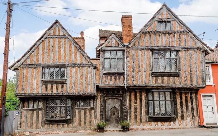 Исторический особняк де Вер, где разворачивается действие в фильме о Гарри Поттере.