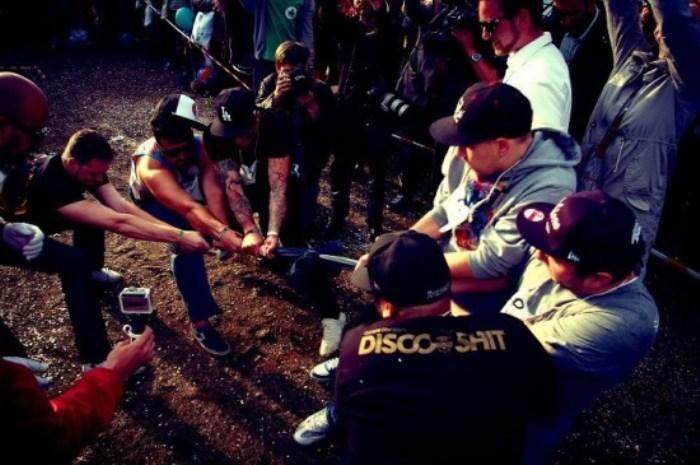 Hipster Olympics: перетягивание каната