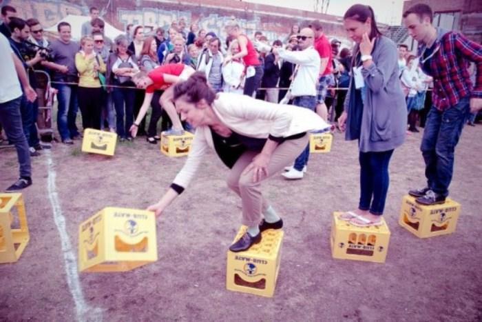 Hipster Olympics: забег по пивным ящикам