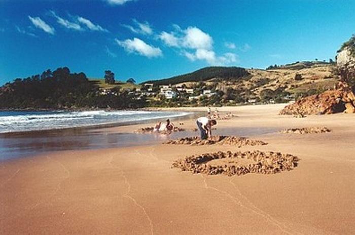 Hot Water Beach: удивительный пляж в Новой Зеландии