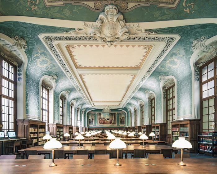 Межуниверситетская библиотека Сорбонны (Париж). Фотограф Фрэнк Бобот (Franck Bohbot)