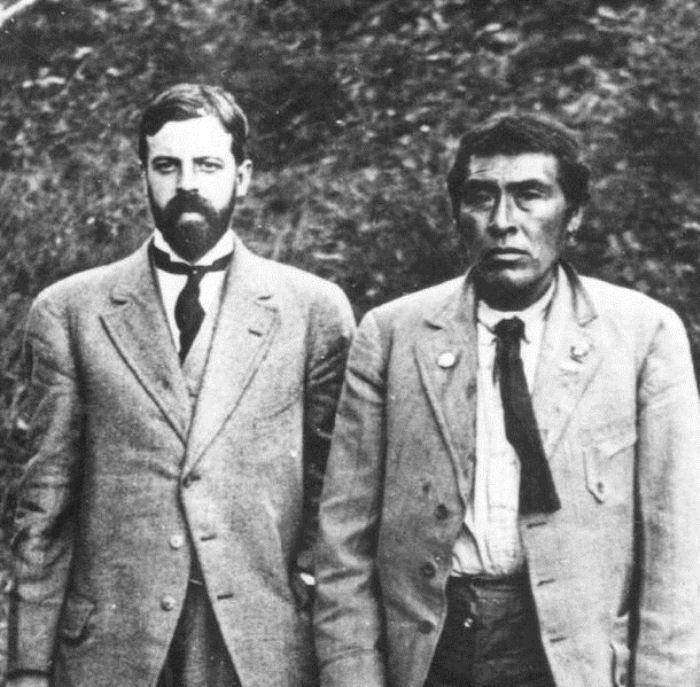 Иши и профессор Альфред Кребер.