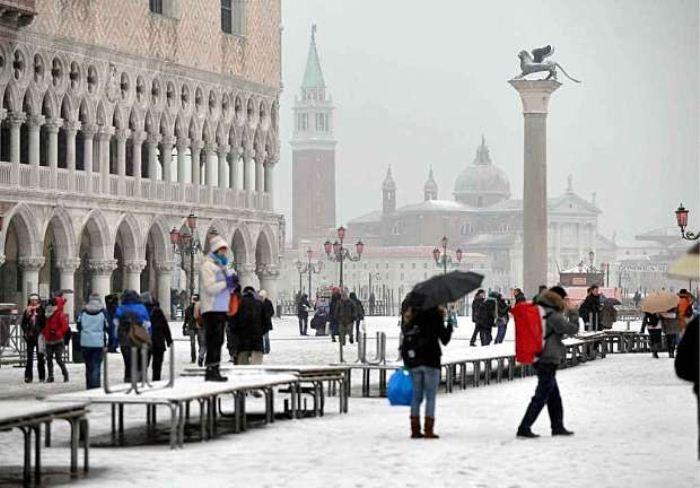 Снег в Италии. Фото: kratko-news.com