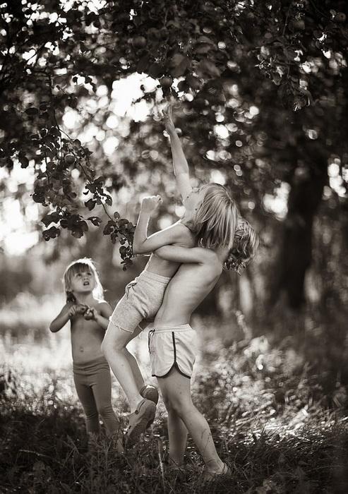 Босоногое детство на фотографиях от Изабеллы Урбаняк (Izabela Urbaniak)