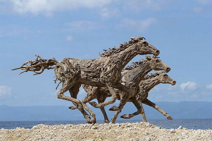 Деревянные лошади: скульптуры Джеймса Дорана-Уэбба (James Doran-Webb)