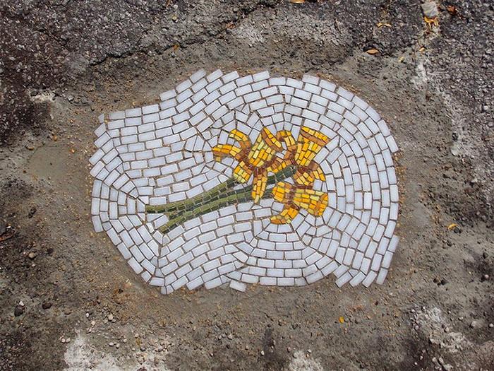 Мозаики на месте дорожных выбоин: стрит-арт от Jim Bachor (Джим Бэчор)