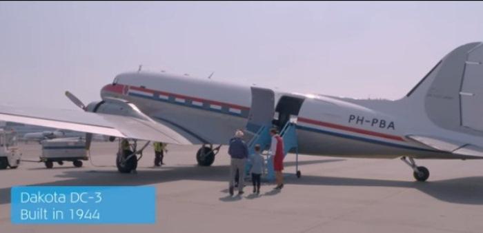 Самолет Dakota для полета над Амстердамом.
