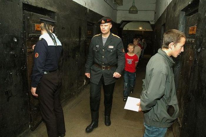 С отдыхающими в отеле Кароста обращаются как с заключенными