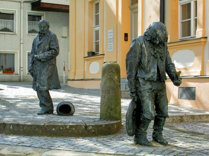 Памятник Каспару Хаузеру.