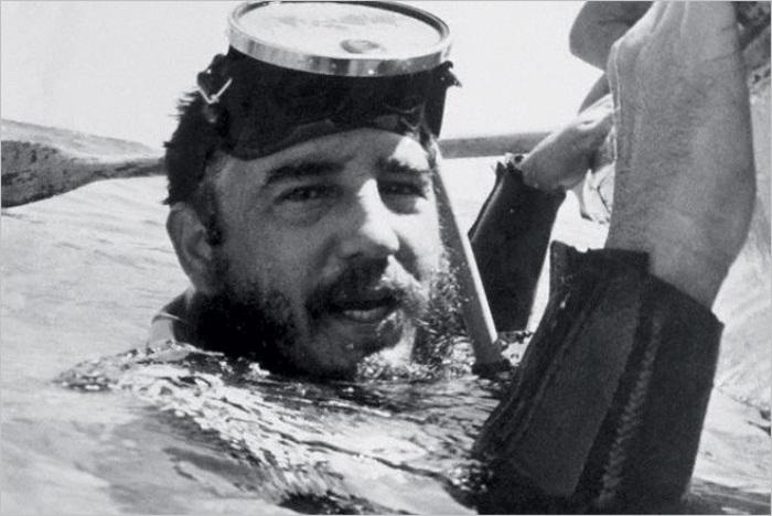 Фидель Кастро с аквалангом. Фото: cripo.com.ua