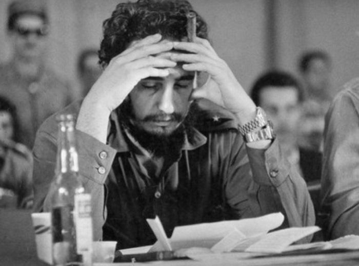Фидель Кастро имел привычку носить на руке сразу двое часов Rolex. Фото: mport.ua