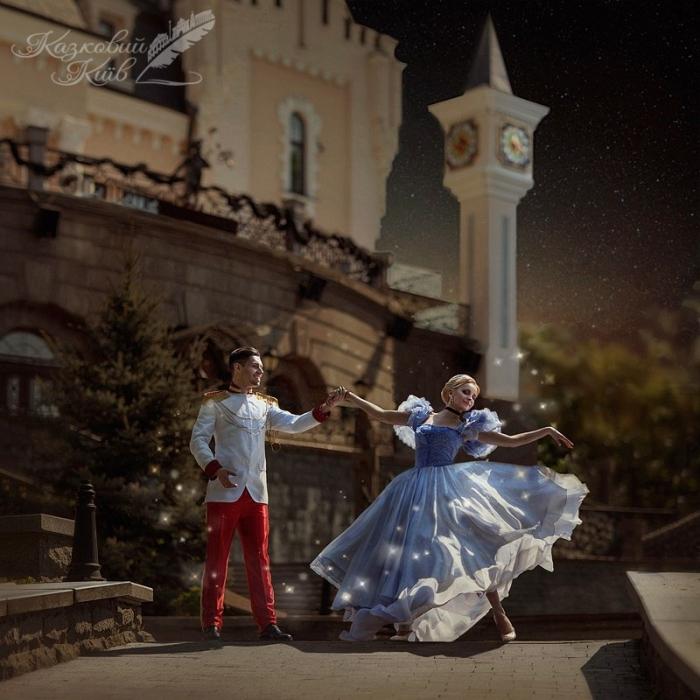 Сказочный Киев: Лиля Ребрик и Никита Добрынин возле Кукольного театра