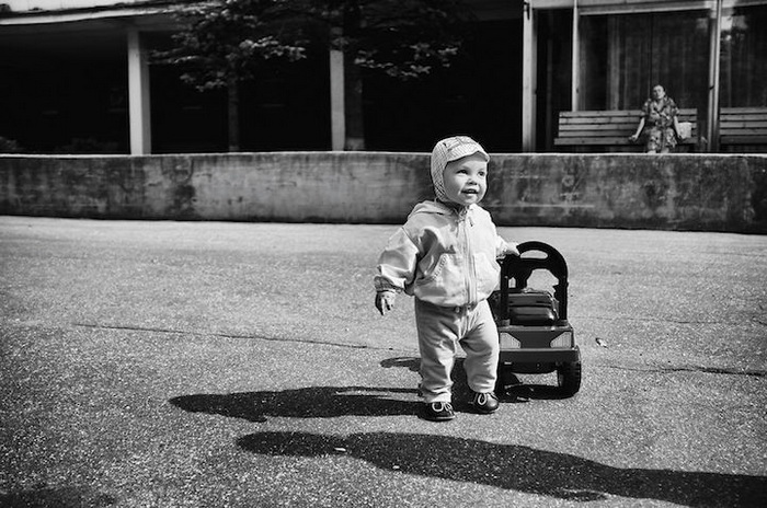 Александр, 1 год, г.Пушкин. Машинки - наша страсть (мама)