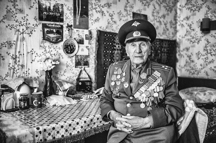 Петр, 97 лет, Урал, электрик, полковник в отставке. Мечтает прожить дольше ста лет