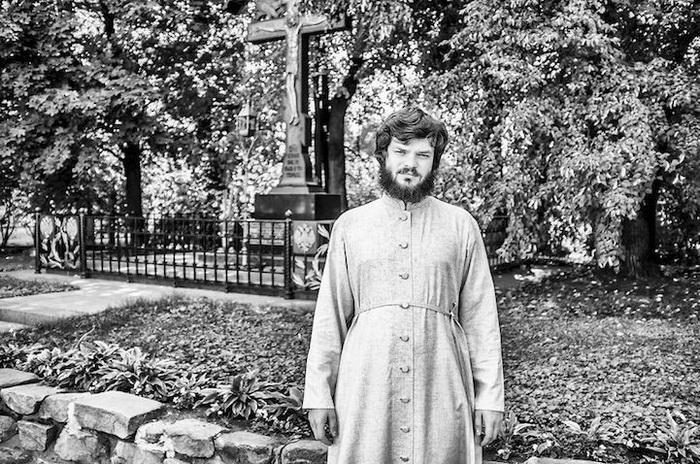 Юрий, 27 лет, г. Москва, священник. Мечтает о мире на всей земле