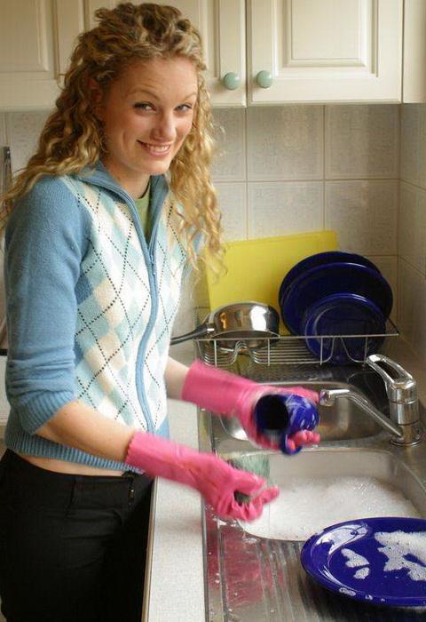 Мытье посуды для Керри Требилкок не рутина, а настоящий пир