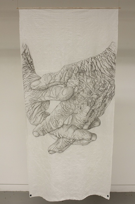 90. Кисти рук на рисунках Ким Андерсон