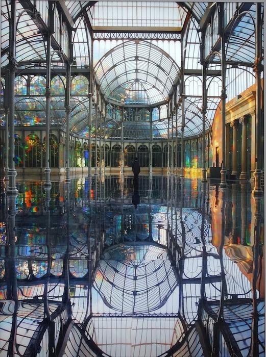 Радужная инсталляция от художницы Кимсуджи (Kimsooja) в Хрустальном дворце (Мадрид)