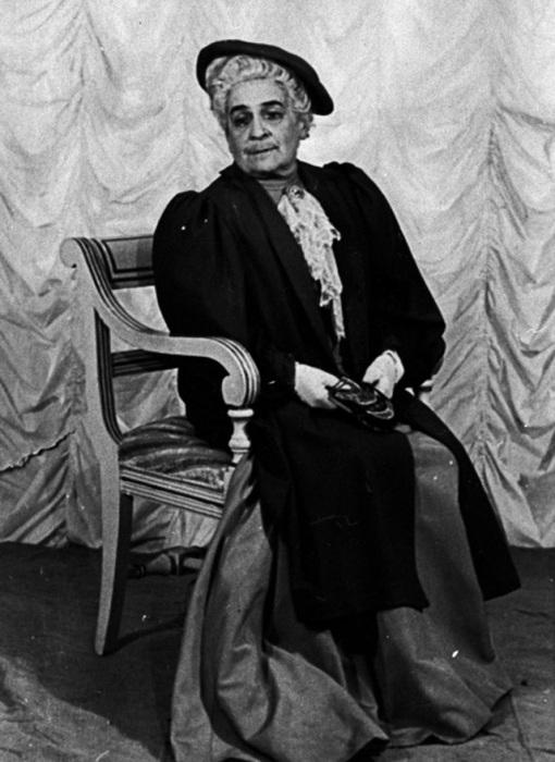 Ольга Книппер в спектакле Идеальный муж, 1954 год