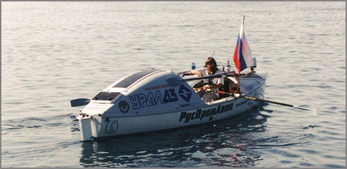 Федор Конюхов отправляется в путь на весельной лодке