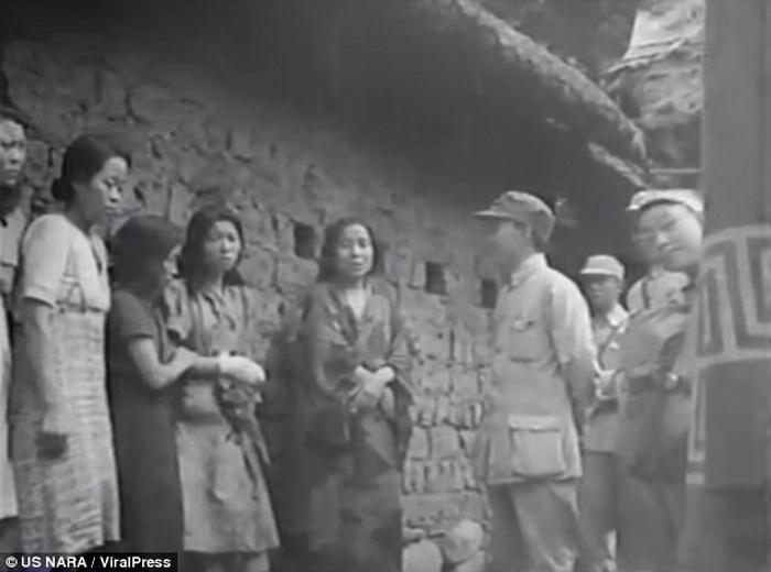 Эти женщины были принудительно отправлены в бордель для военных.