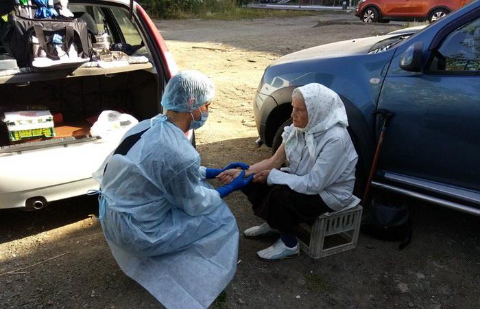 Евгений Косовских - врач из Челябинска, который помогает бездомным.